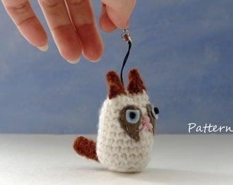 Grumpy Cat amigurumi CROCHET PATTERN for keychain
