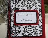 Handgemachte Karte, Retro Floral, schwarz, weiß, rot, es gibt Schönheit in Einfachheit
