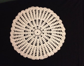 Vintage 1930s / 1940s Hand Crocheted Cream Colored Doily