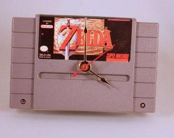 VINTAGE Super Nintendo Zelda (A Link To The Past) Cartridge Clock