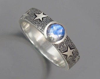 THE MOON silver ring with Moonstone