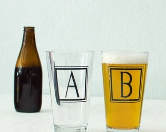 "MONOGRAM ""R"" GLASSWARE single inital letter ""r"" screen printed Pint Glass"