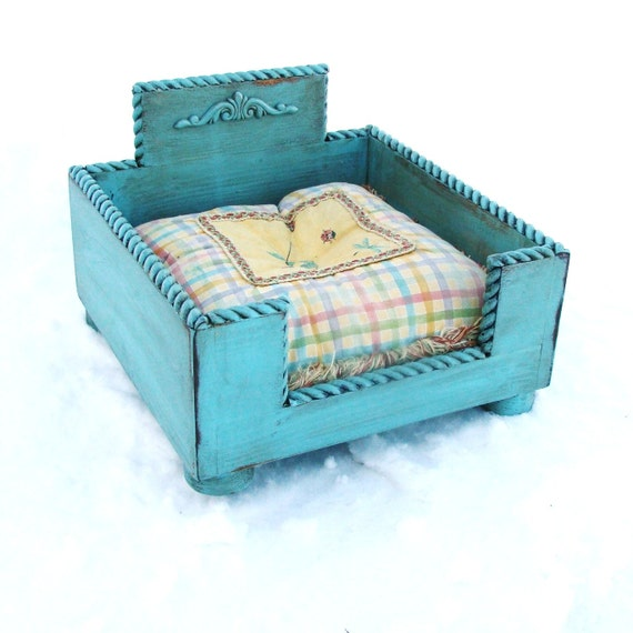 like this item - Raised Dog Beds
