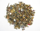 Random Mix of Small Charms (14 grams) (V280)