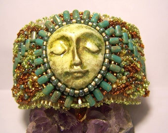 Zen face bead embroirdered cuff bracelet