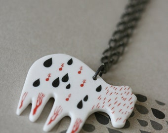 Porcelain necklace - Bear necessities - drops, seeds and roots