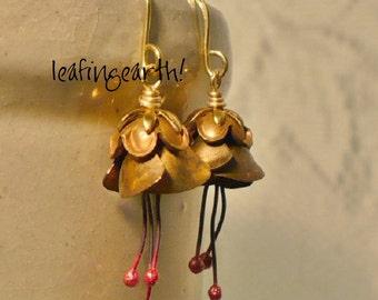 vintage brass flower stamen dangle earrings