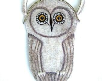 Owl purse / felted  purse/ hand made / wool /one of a kind / gift/ grey owl/ woodland/ bird/ bird art