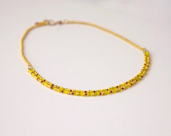 SMART / Yellow and golden beaded necklace