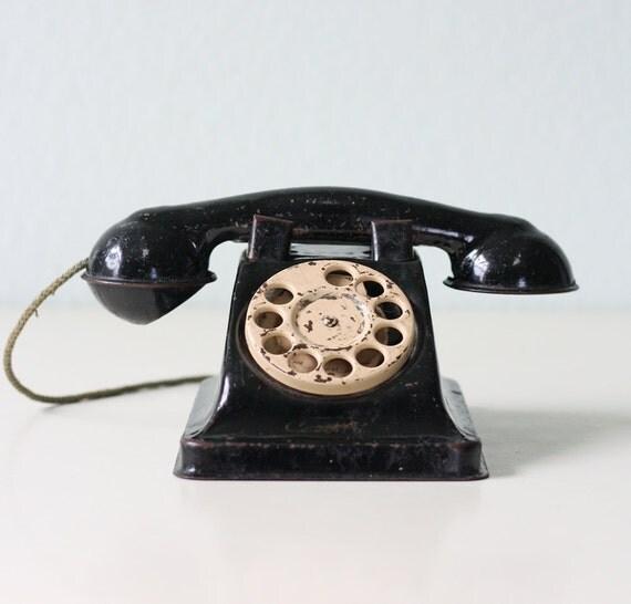 Vintage Toy Phone 7