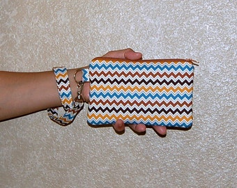Hooty Hoot Chevron (Brown) - Wristlet Purse with Removable Strap and Interior Pocket