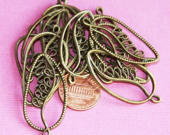 10 pcs of  Antique Brass leaf pendant 20x39mm