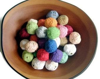 Seed Bombs - Rainbow assortment of plantable paper balls - Ecofriendly wedding favor, garden party favor - Made of handmade paper & seeds