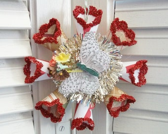 Vintage Retro Victorian Style Cream and Red Butterfly Star Snowflake Paper Wreath Christmas Ornament Antique Tinsel Garland