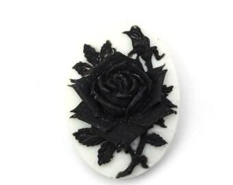 Plastic Cameos Rose Flower 25x18mm Black / White (3) IC102