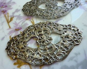 Vintage Oval Filigree, 1970s Antiqued Silver Floral Stamping, Pewter Gray Finish, Jewelry Finding or Embellishment, 62x37mm, 1 pc. (C15/24)