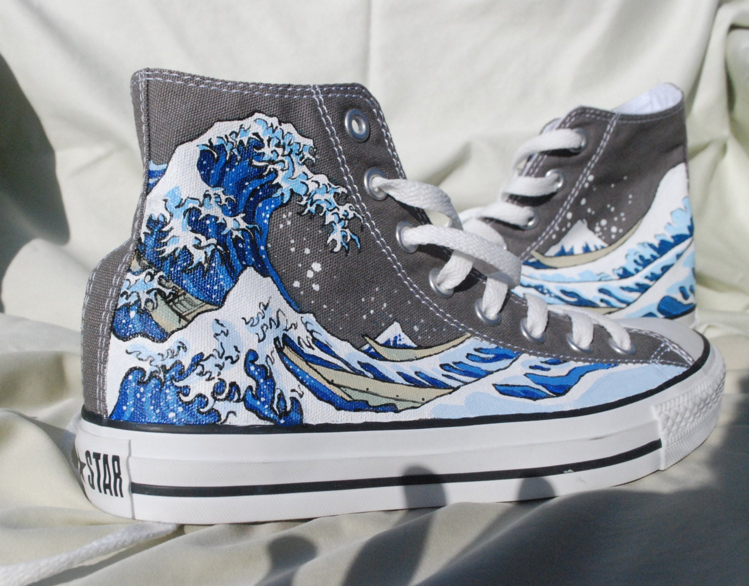 hand painted converse shoes the great wave by