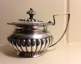 1840 Chinese Export Silver Mustard Pot by Wongshing of Canton China