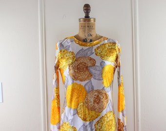 1960s Oversized Floral Print Shift Dress - super MOD vintage dress in orange, brown, and gray - size small to medium