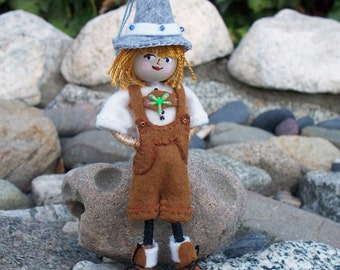 Felt Art Doll Hanging Ornament - Oktoberfest Piksee