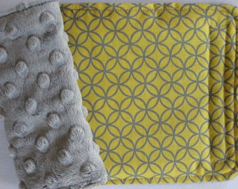 Diamond Yellow and Gray Reversible Car Seat Strap Covers
