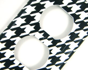 Houndstooth Outlet Cover Switchplate -- Black and White