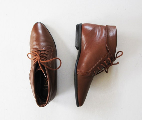 vintage brown leather lace up flat ankle boots by