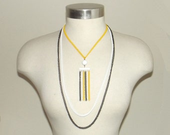 1960s vintage necklace / 60s necklace / mod / yellow / black / white / Homecoming Game Necklace