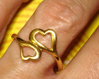vintage AVON joined hearts golden ring
