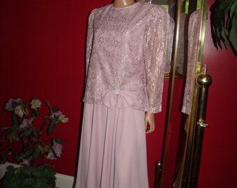 Vintage Flapper Dress  Lace Exclusive of ornamentatuion  does 20sTheme Sixe 16