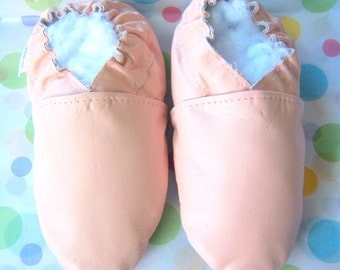 Sale pink leather baby shoes 6-12 months handmade
