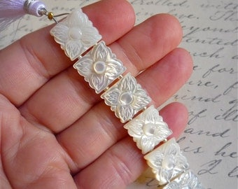 Carved White Mother Of Pearl Quatrefoil Beads, Flower Beads, Double Drill Spacer Connector Beads,