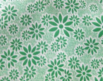 Vintage Taffeta-like Fabric - Retro Kelly Green Small Print Floral - Abstract Flowers -  Crisp Shiny Fabric