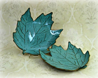 Maple Leaf  Plate in Speckled Aqua