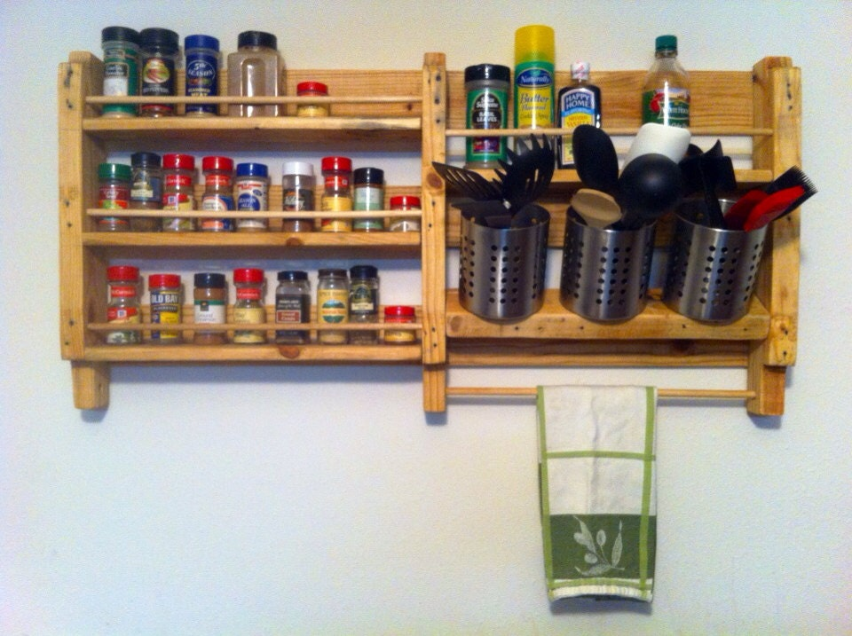 Pallet wood spice rack utensil holder for How to make a spice rack out of pallets