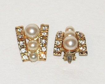 Vintage Earrings - Pearl Beads Rhinestone Crystals - Gold Tone - Clip Back Earrings