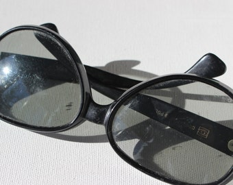 Vintage Cool Ray Polaroid Sun Venture Black Sun Glasses 225
