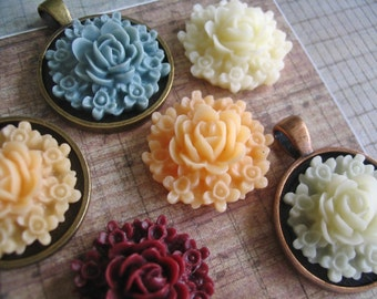 4pc..25mm Resin Rose Flowers...Comes in Assorted Colors...Great with pendant trays, bezels, necklace settings, and more.