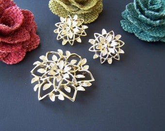 Vintage Jewelry Sarah Coventry Brooch and Clip Earring Set in goldtone Lace Flower gold fashion jewelry