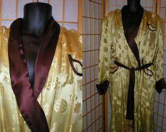 Vintage 60s gold / brown Asian silk robe / smokeing jacket by Dynasty mens size medium / large