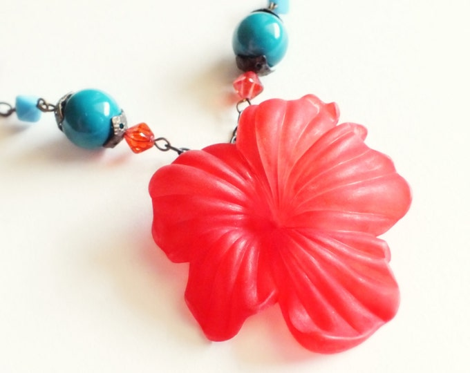 Red Flower Necklace Large Flower Pendant Red Floral Vintage Matte Lucite Huge Flower Necklace Hibiscus Wife Gifts Flower Anniversary