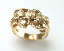 Simply Elegant 14kt Gold Ring: A UNISEX design of intertwined, three dimensional leaves - 5.3 grams - Unique Wedding band, Love Token