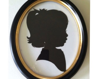8x10 Black Oval Wood Frame