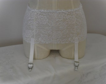 Garter Belt Retro Style in White Stretch Lace With White Garters