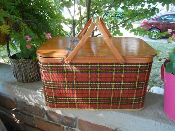 Red Plastic Picnic Basket : Red plaid picnic basket by redmon from peru