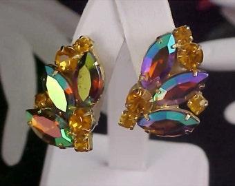 SPECTACULAR ~ DeLizza & Elster  ~  Heliotrope Aurora Borealis Clip Earrings