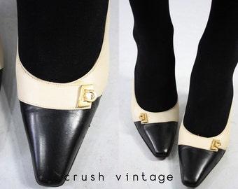 1990s Ferragamo Shoes 6 / 90s Leather Pumps / Spectator Scene Heels