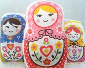 Organic Russian Dolls - Set of 3  - Baby Rattles - Each has a different sound - Sensory Toy