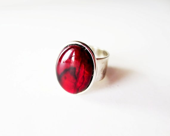 Red paua ring.  Red paua shell.  Paua shell ring.  Blood red ring. Abalone ring.  Wide band silver ring