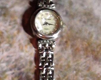 Cote d Azur Wrist Watch Bracelet  Souvenir French Alpes Ladies is Quartz and  Working